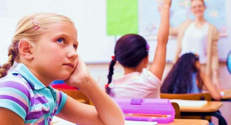Tese: Entre a Clínica e a Escola – Um lugar para Adolescentes Estados-Limites
