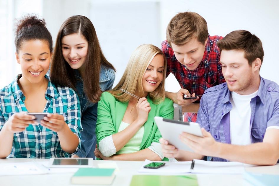 A Capacitação Multidisciplinar (Técnicos, Professores e Funcionários) no Colégio Graphein
