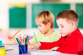 Sinal de Alerta:  A criança não consegue ficar parada, concentrar-se e vai mal na escola? Pode ser déficit de atenção.