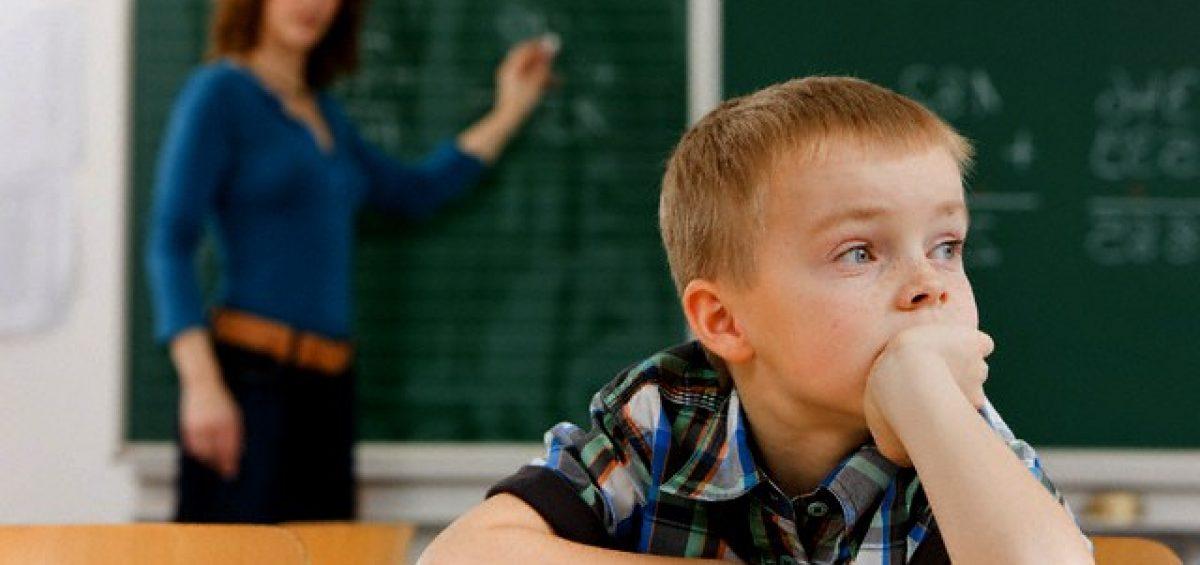 Quando o pensamento se esvai na motricidade – a clínica psicanalítica da desatenção e da hiperatividade com crianças.