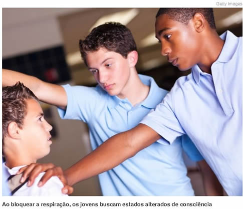 Desmaio forçado: 'brincadeira' famosa entre jovens pode ser fatal